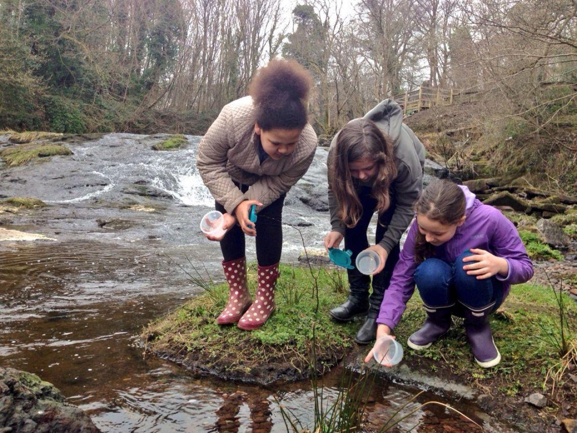 Bridge of Weir Primary School Children take samples of river water